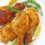 Breaded Baked Chicken Drumsticks: so crunchy on the outside, soft and tender on the inside. It's a party must! | olgainthekitchen.com