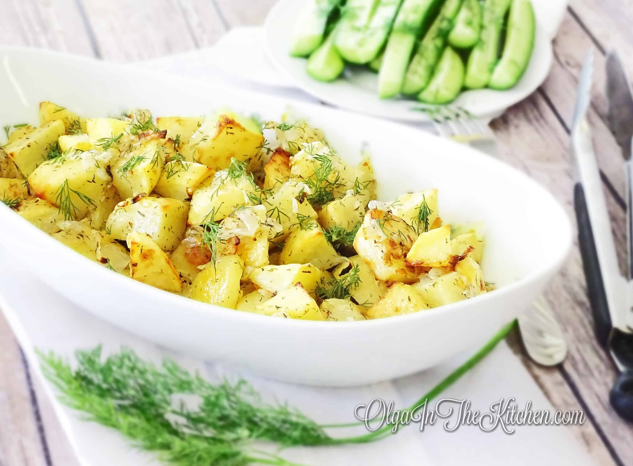 Quick Oven Roasted Potatoes: simple potatoes recipe with combo of dill and thyme herbs to bring out the flavor. | olgainthekitchen.com