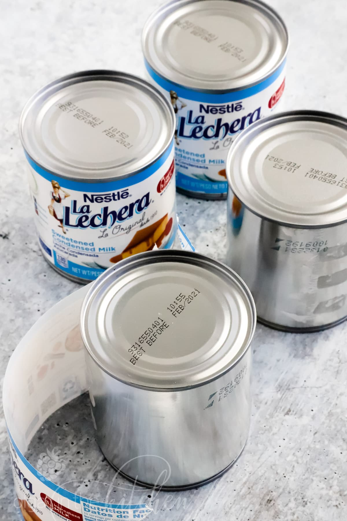 An easy Dulce de Leche (Cooked Condensed milk) recipe with only 1 ingredient! Sweetened condensed milk is cooked until it becomes thick, creamy caramel-like pudding that you can use for many dessert recipes. #dulcedeleche #sweetenedcondensedmilk #howtomakedulcedeleche #lalechera #nestle #olgainthekitchen #howto #dessert #filling #caramel