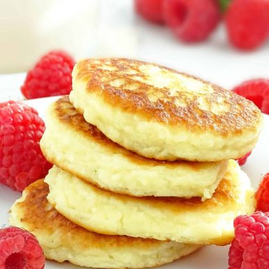 Cheese Pancakes (sirniki): easy to make, slightly sweet, fluffy, bite-size delicious goodness for breakfast. | olgainthekitchen.com