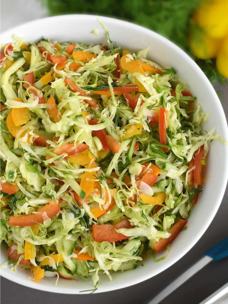 Cabbage Pepper Salad: easy to make, simple ingredients, very healthy and super delicious! | olgainthekitchen.com