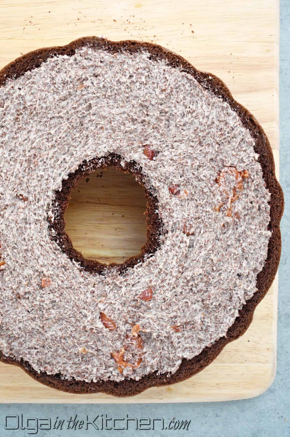 filling chocolate bundt cake