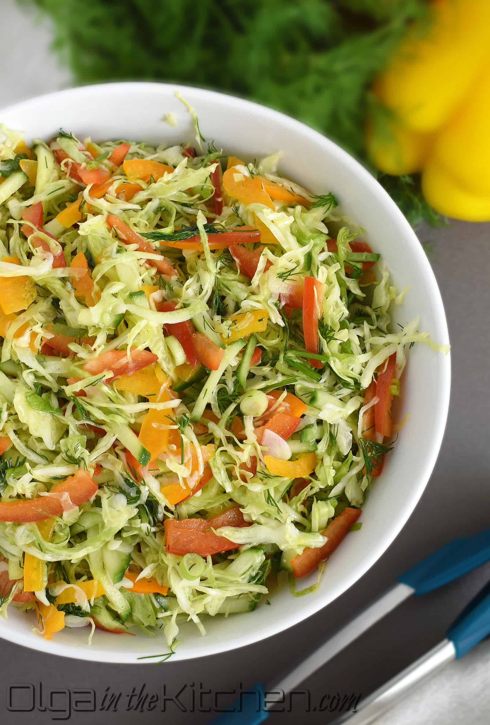Cabbage Pepper Salad: easy to make, simple ingredients, very healthy and super delicious!   olgainthekitchen.com