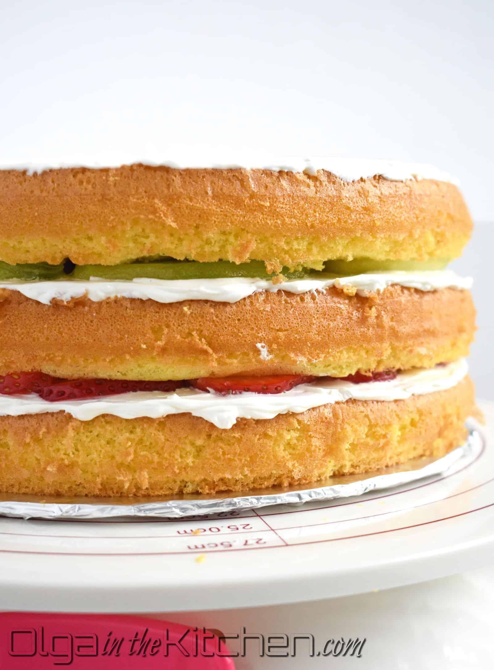 how to cream sponge cake