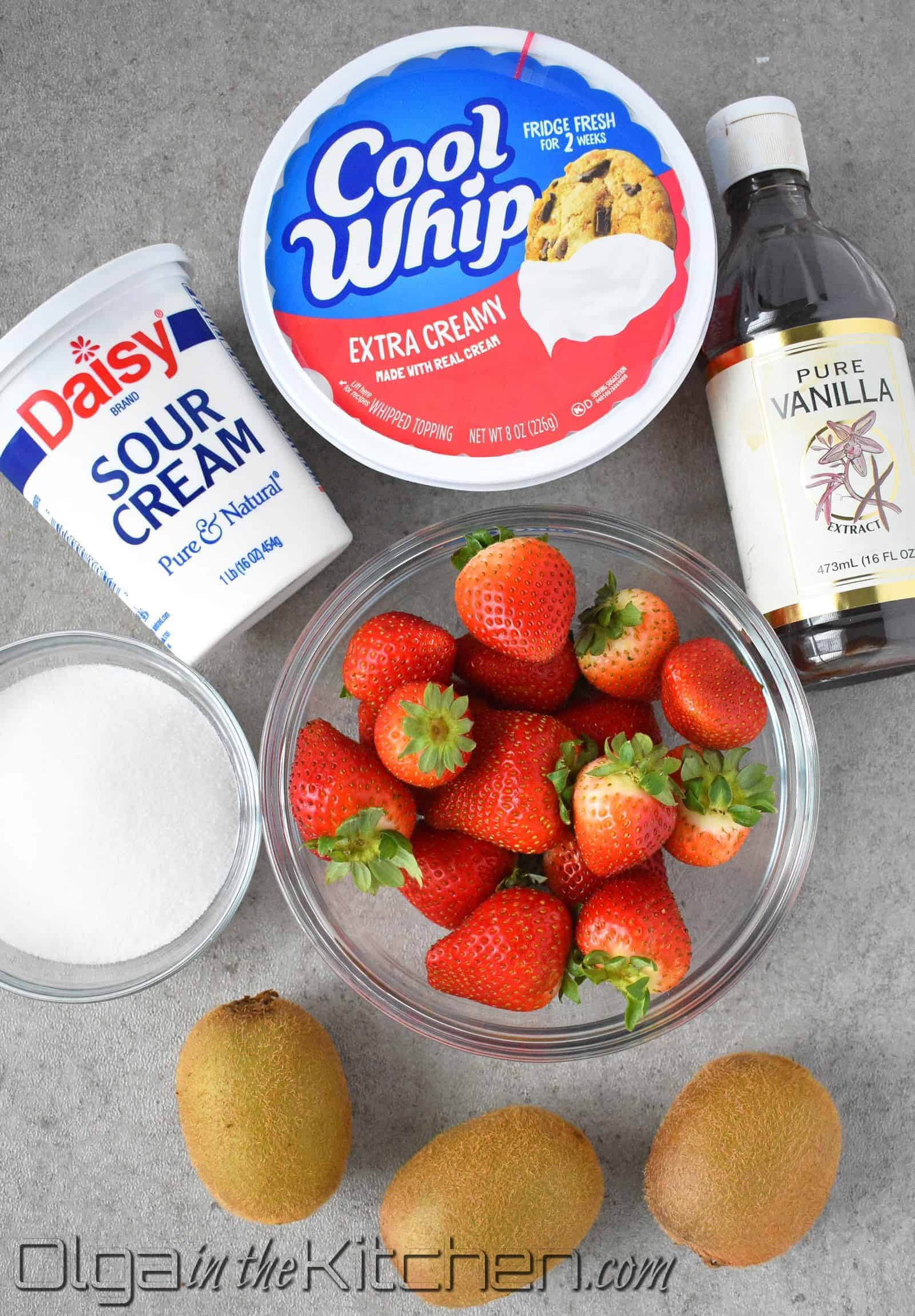 sour cream frosting ingredients