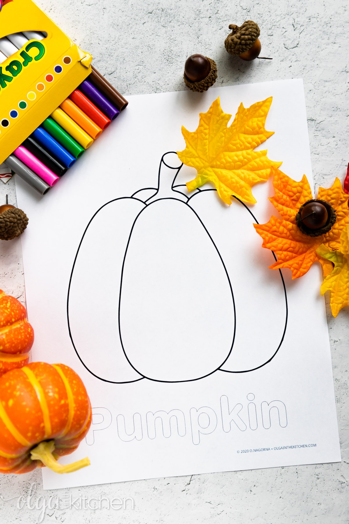 This FREE Pumpkin Coloring Page will keep your kids entertained during the autumn season. A simple activity for you and your kids to enjoy. Kids can use crayons, colored pencils, markers or paint to color the printable. #olgainthekitchen #printables #freeprintable #freebie #coloringpage #pumpkin #thanksgiving #crafts #kids #diy