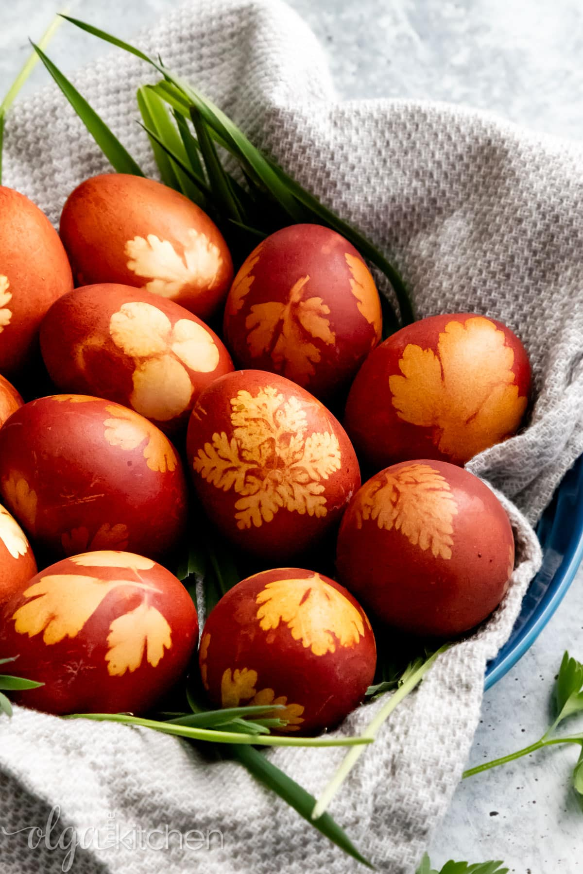 How to naturally dye Easter eggs using onion skins.